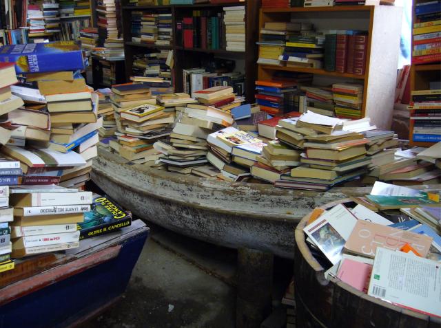 libreria-acqua-alta-venice